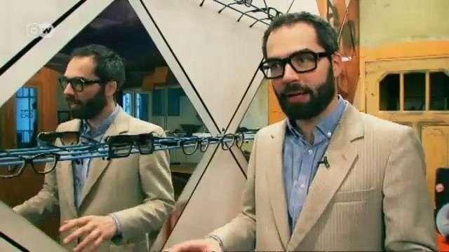 Zack Tipton diseña lentes de vinilo