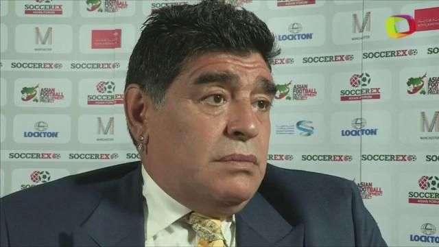 Maradona quiere que Blatter salga de la FIFA