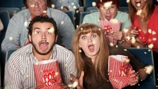 ¿Por qué comer palomitas en el cine?