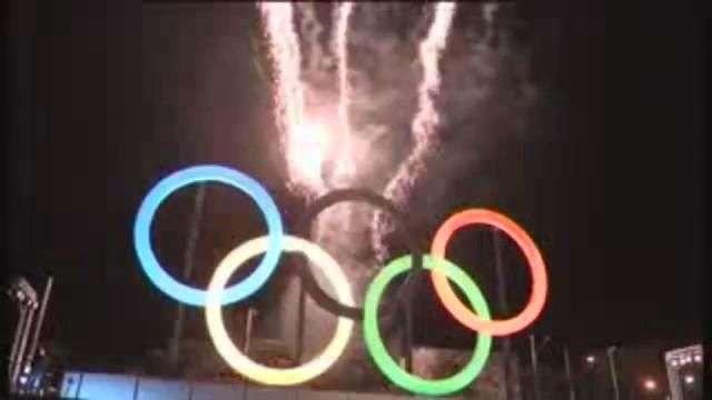 Anillos olímpicos ya lucen en Río de Janeiro