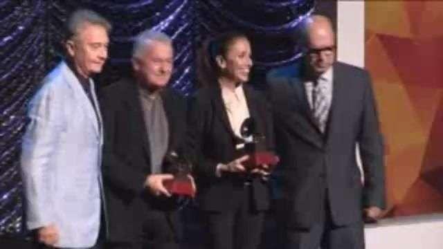 Ana Belén, Víctor Manuel y Milanés, premios a la excelencia en los Grammy Latino