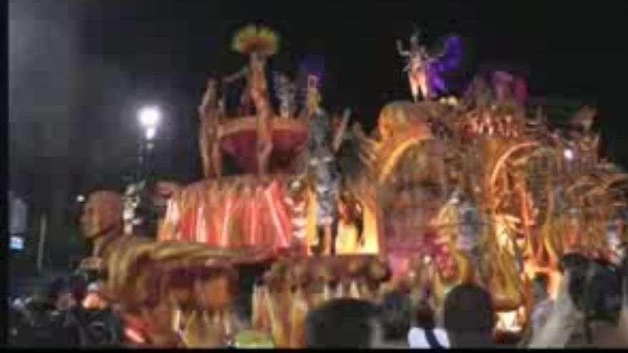 El ritmo se desborda en el Sambódromo de Río de Janeiro