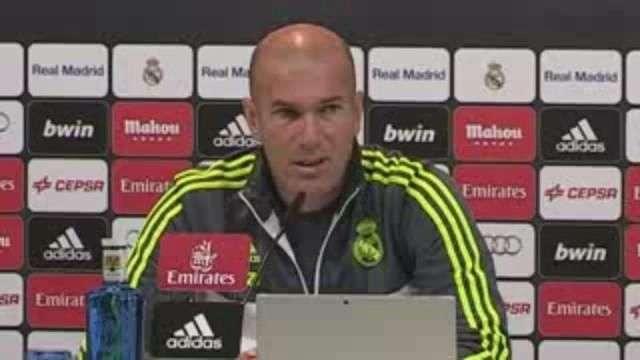 Zidane: No podemos arriesgar con Cristiano ni con Benzema