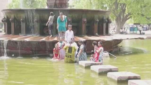 Nueva Delhi se derrite con temperaturas de hasta 46 grados