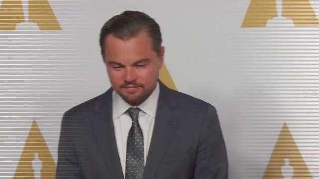 DiCaprio gastó $18,000 en bolso Chanel para su mamá
