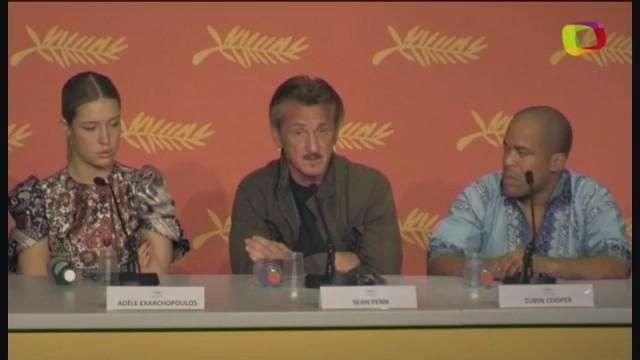 """Sean Penn presenta entre las duras críticas su película """"The Last Face"""""""
