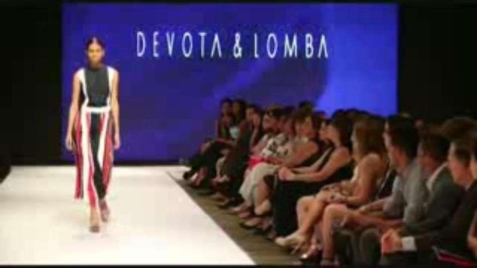 Las creaciones de Modesto Lomba desfilan en la pasarela dominicana