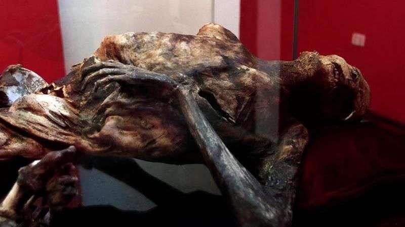 El misterio de la momia más joven del mundo