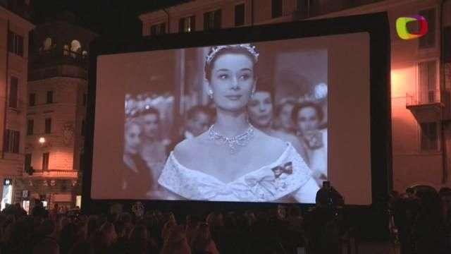 La plaza de España de Roma, un cine a cielo abierto para homenajear a Peck