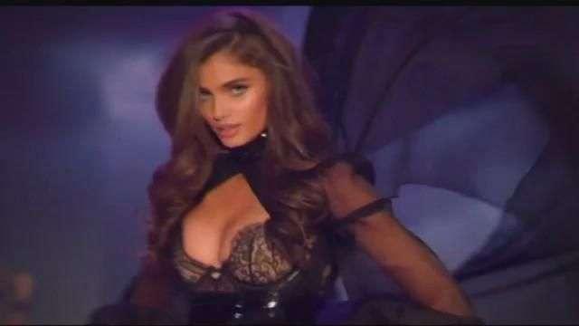 Los ángeles de Victoria's Secret deslumbran París