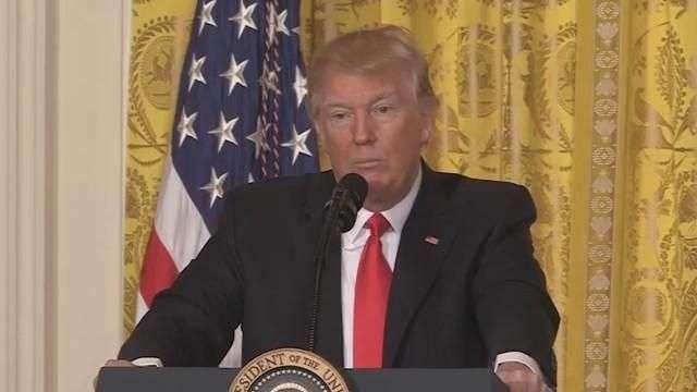 """Trump ataca el """"desastre heredado"""" y la falsedad de los medios"""