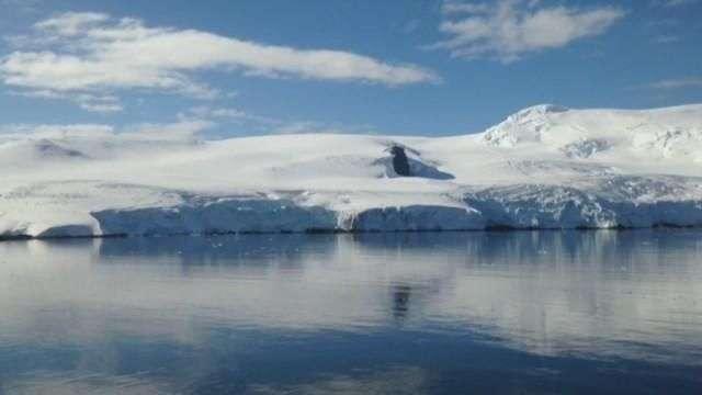 Pirámides, ovnis y bases secretas: desmontando los mitos sobre la Antártida