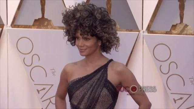 Halle Berry, objeto de críticas en los Oscars