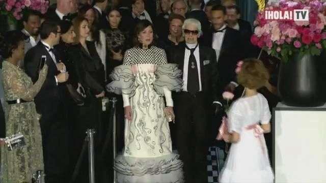 Hollywood, royals y la mirada de Lagerfeld: los detalles del Baile de la Rosa