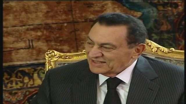 Mubarak es puesto en libertad seis años después de la revolución egipcia