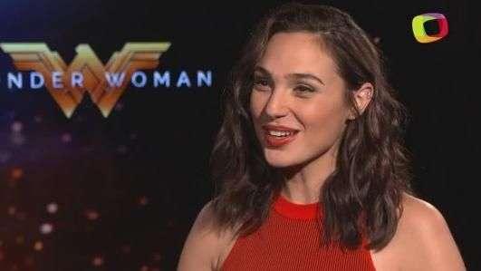 Gal Gadot es la asombrosa 'Wonder Woman'