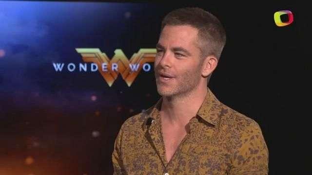 Chris Pine le roba el corazón a 'Wonder Woman'