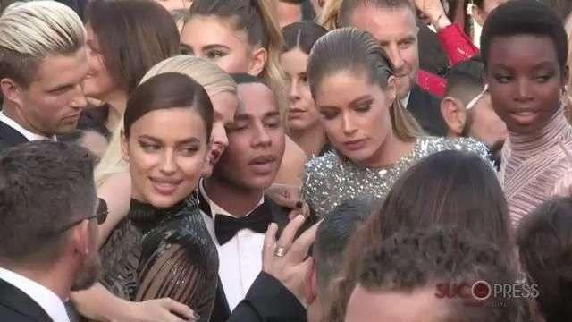 Las ángeles de Victoria Secret paralizan la alfombra roja de Cannes