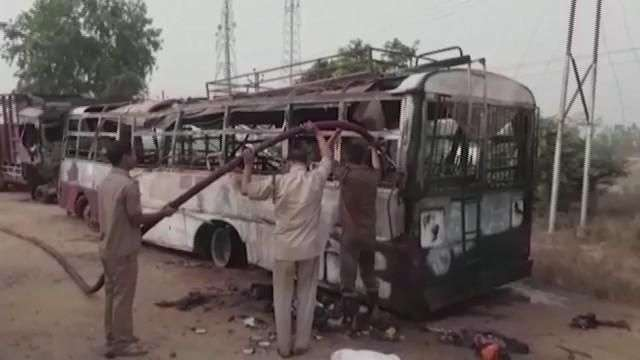 Mueren 22 personas en un accidente de autobús en India