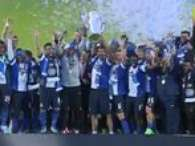 As recibi la copa el Porto tras vencer al Paos Ferreira