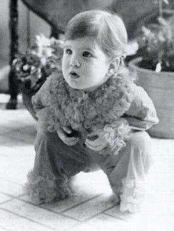 La pequeña Jennifer Aniston antes de cumplir un año de edad. Foto: Getty Images