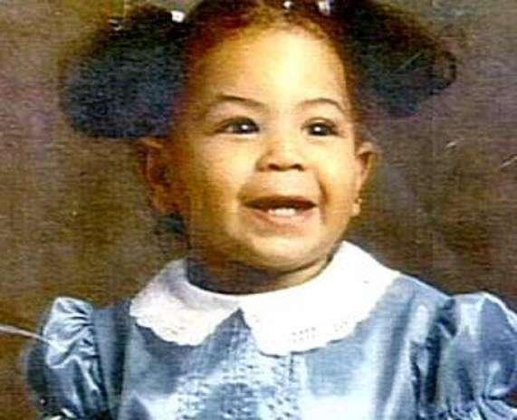 Beyoncé con dos moñitas. Esta bebé no se podría imaginar que en 2012 sería la Mujer más sexy del planeta según People. Foto: Difusión