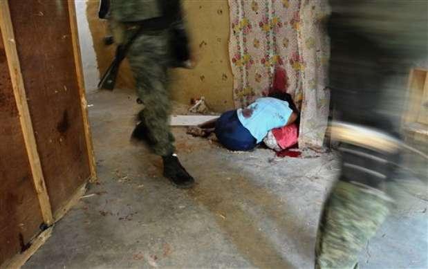 Los crímenes contra mujeres en manos del crimen organizado también han ido a la alza, en ciudades como Ciudad Juárez y Tijuana. El sexo femenino está siendo víctima de ejecutores que sin piedad matan a sus víctimas de manera sanguinaria. Foto: AP