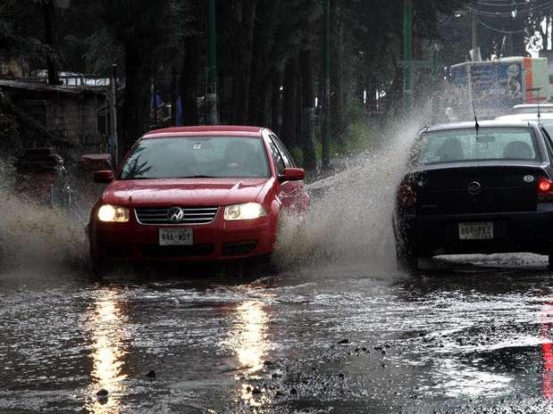 Lluvia en el DF Foto: Agencia Reforma