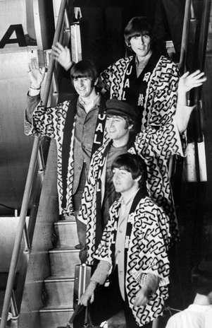 El 10 de julio de 1964 The Beatles regresó a su tierra natal, Liverpool, Inglaterra, después de haber conquistado al público de Estados Unidos.   Foto: AFP