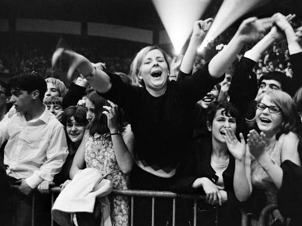 El público en la tierra inglesa desbordaba en ese entonces por sus ídolos, Paul McCartney, John Lennon, Ringo Starr y George Harrison. Foto: AFP