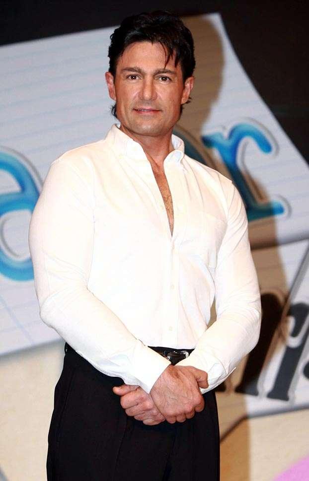 Fernando Colunga teria aplicado Botox; No rosto do ator não há rugas!