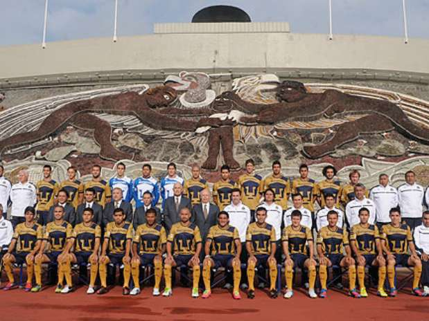  Pumas se toma la foto Pumas Unam Jos Narro CU 