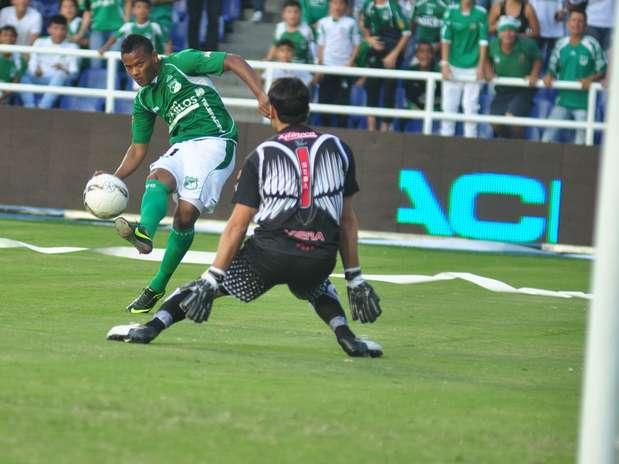 Así definió Andrés 'Manga' Escobar ante Viera en el gol del Deportivo Cali tras el empate con Junior  Foto: Terra
