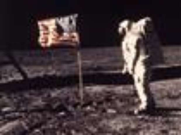 The family of Neil Armstrong, the first man to walk on the moon, says he has died at age 82. (Aug. 25)                Foto: AP