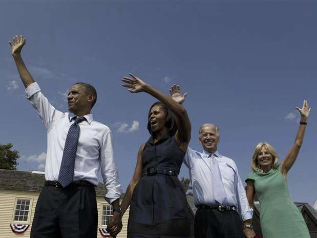 U.S. President Barack Obama (L-R), first lady Michelle Obama, U.S. Vice President Joe Biden, and Biden's wife Jill wave at a campaign event at the Strawbery Banke Museum in Portsmouth, New Hampshire September 7, 2012.