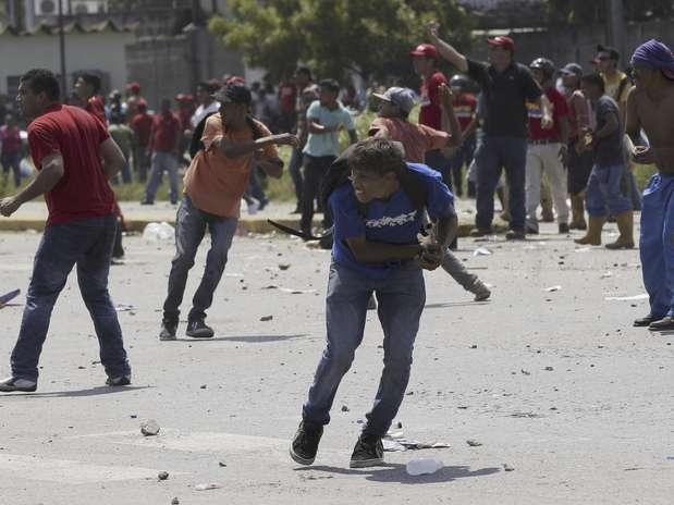 discusión pre-electoral en Venezuela (solo aqui se admiten estos temas) - Página 19 Get?src=http%3A%2F%2Fimages.terra.com%2F2012%2F09%2F13%2FAP-34142368c448fc191a0f6a706700843a