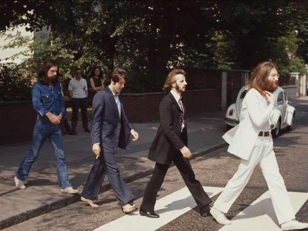 Célebre foto tomada por Linda McCartney. George, Paul, Ringo y John cruzando el paso de cebra de Abbey Road.  Foto: paulmccartney.com