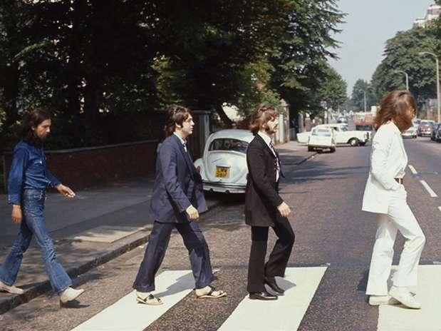 En su momento se dio a conocer que Paul aparecía descalzo porque para ese momento su cuerpo descansaba en paz. Foto: paulmccartney.com