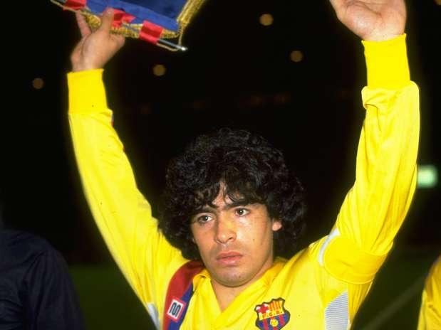Maradona le hizo un gol de tal factura al Madrid que salió ovacionado del Bernabéu Foto: Getty Images