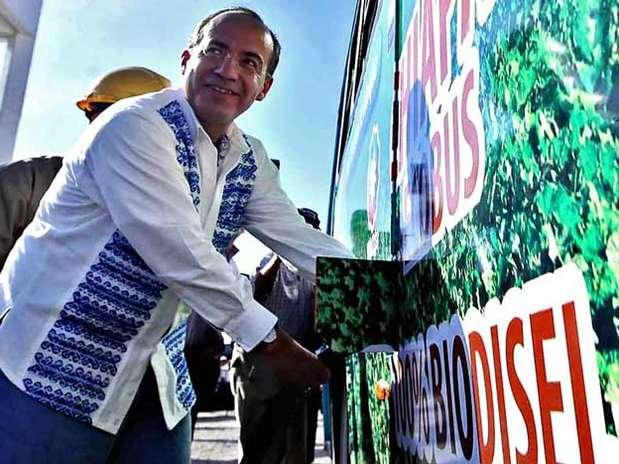 El presidente Calderón acudió en 2010 a la inauguración de la Planta de Biodiesel en Tapachula. Foto: Especial / Reforma