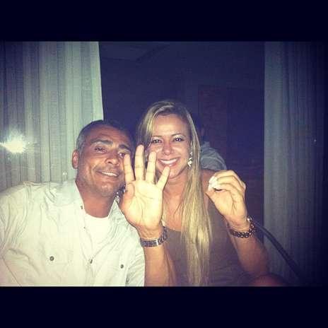 Romario (46), y Ribeiro (27) fueron presentados por amigos en común. Foto: Twitter: @cibelleribeiro