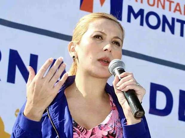 La Policía de Monterrey tuvo sus primeras bajas en la presente Administración, al dar de baja a 80 efectivos por no aprobar las pruebas de confianza, informó la Alcaldesa Margarita Arellanes. Foto: Reforma