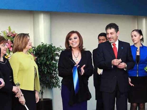 La Procuradora dijo que las nuevas instalaciones cuentan con equipos de última tecnología. Foto: Israel Rosas / Reforma