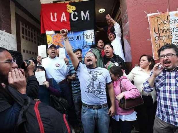 La sede administrativa de la UACM continuó tomada por paristas este lunes. Foto: Gabriel Jiménez / Reforma