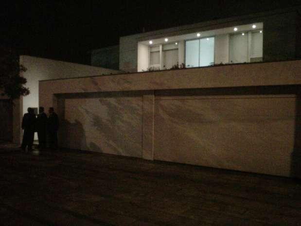 Frontis de la casa en la que pasa la noche Lady Gaga. Foto: Terra
