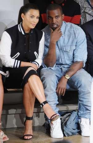 Kanye West no puede proponer matrimonio a Kim Kardashian hasta que finalice su divorcio. Foto: Getty Images
