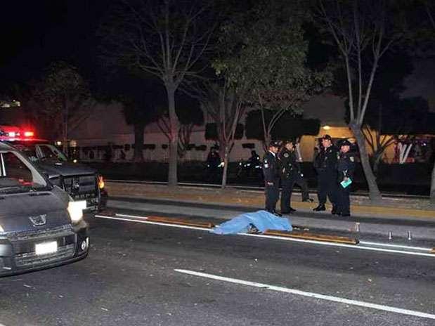 El accidente ocurrió entre el Eje 7 Sur Félix Cuevas y la Calle Valencia, en la Colonia Insurgentes Mixcoac. Foto: Reforma