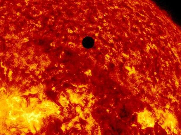 El 2012 estuvo lleno de hallazgos cientítificos que dieron luz sobre el universo, enfermedades y antiguas teorías sobre la Tierra, entre otros descubrimientos. El hallazgo del bosón de Higgs fue el más importante, según la revista Science. Pero, además de ese descubrimiento, hay otros hallazgos que revolucionaron la ciencia este año. Foto: Getty Images