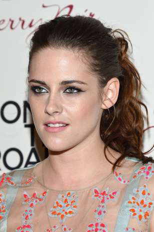 El 2012 fue un año de cambios, escándalos y éxitos en la carrera de Kristen Stewart. La revista Forbes la posicionó como la actriz mejor pagada del año, con ganancias superiores a los 34 millones de dólares. 'Snow White and the Huntsman', 'Crepúsculo: Amanecer Parte 2' y 'On The Road' fueron las tres cintas que la actriz estrenó en 2012. Foto: Getty Images