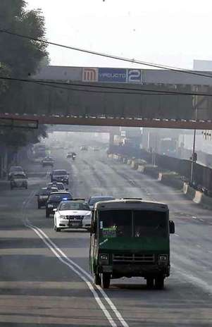 A las 15:00 horas, la Comisión Ambiental Metropolitana determinará si se mantienen las condiciones y se reimpone el Hoy No Circula. Foto: Reforma